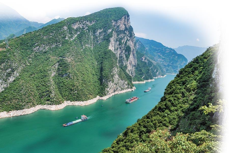 長江禁漁守護生態環境,詮釋著「綠水青山就是金山銀山」的理念。(新華社)