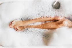10歲童浴缸戲水遭抓交替 父驚見「長髮繞身」恐怖死相