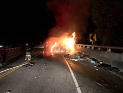 清潔隊員工駕車撞護欄 火燒車身亡