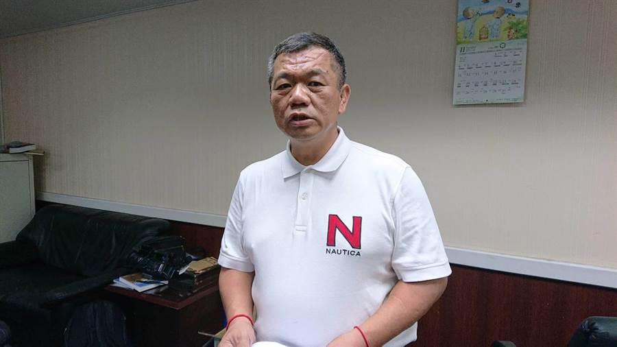 國民黨籍台南市議員盧崑福反批民進黨才是詐騙集團。(程炳璋攝)