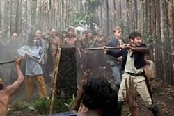 好萊塢重現19世紀大馬村落 何超儀雨林拍片不嫌苦