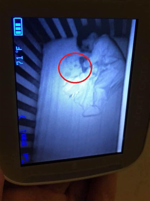 監視器清楚拍到鬼寶寶(圖片取自/Maritza Elizabeth FB)