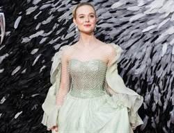 艾兒芬妮宣傳《黑魔女2》 花禮服秀公主仙氣