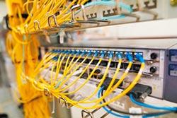 美電信業搶商機 洽購華為5G技術