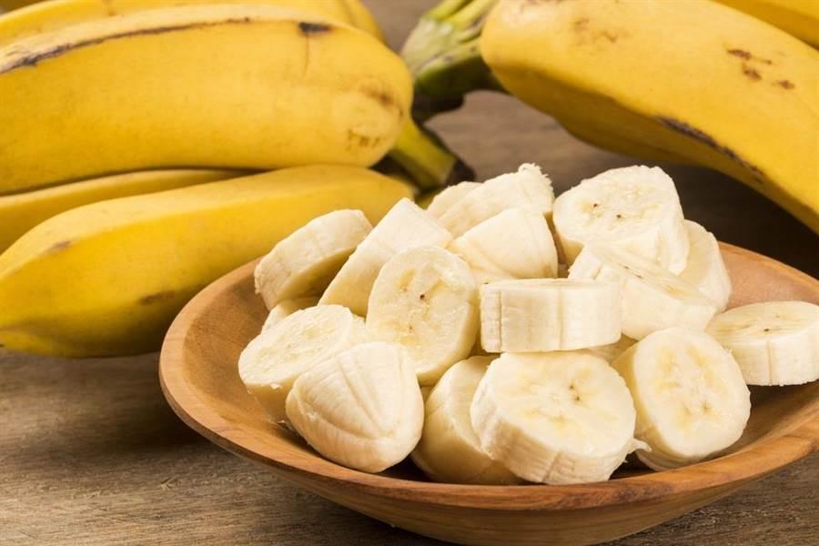 只要腎臟健康,完全不用擔心空腹吃香蕉會影響身體健康。(達志影像/shutterstock)