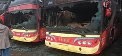 客運站起火5輛車燒毀