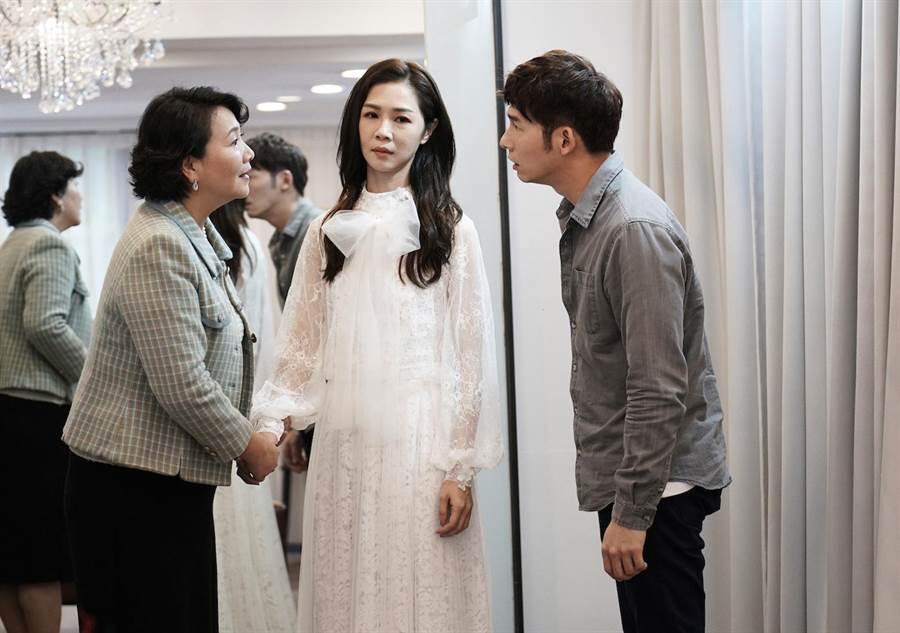溫昇豪在《俗女養成記》飾演謝盈萱的媽寶男友。(三立提供)