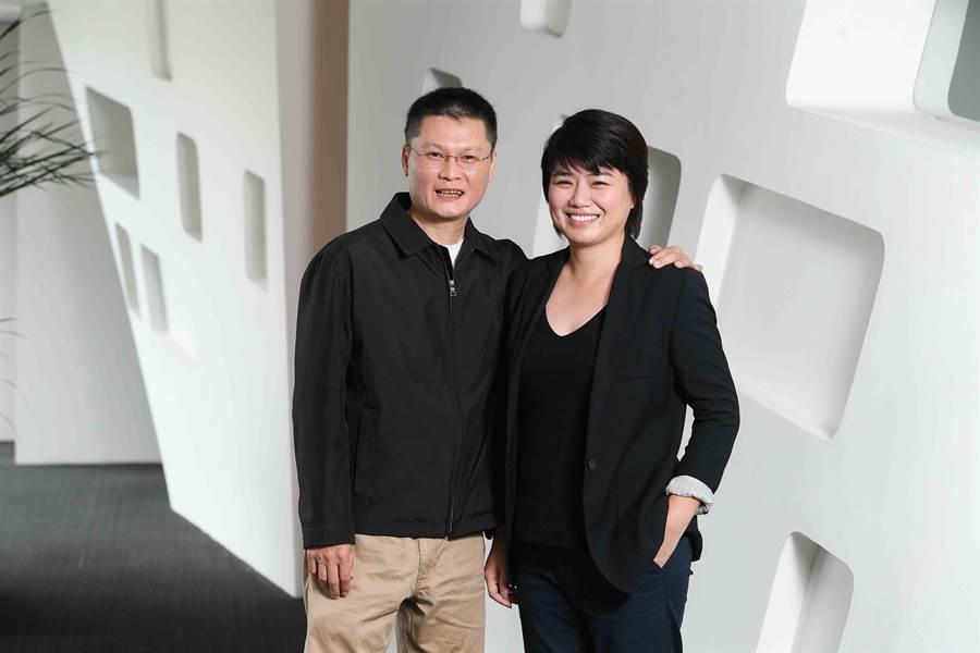 《俗女養成記》兩位導演陳長綸、嚴藝文。(三立提供)