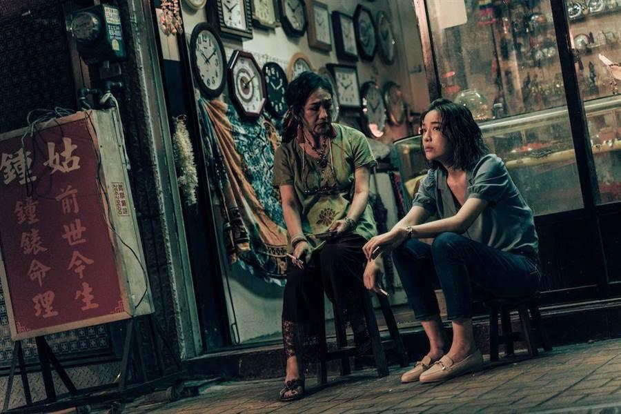 蔡淑臻(右)、許仙姬演出短片《燒肉粽2019》。(金馬執委會提供)