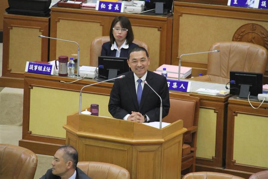 新北市長侯友宜今在新北市議會接受市政總質詢。(譚宇哲攝)