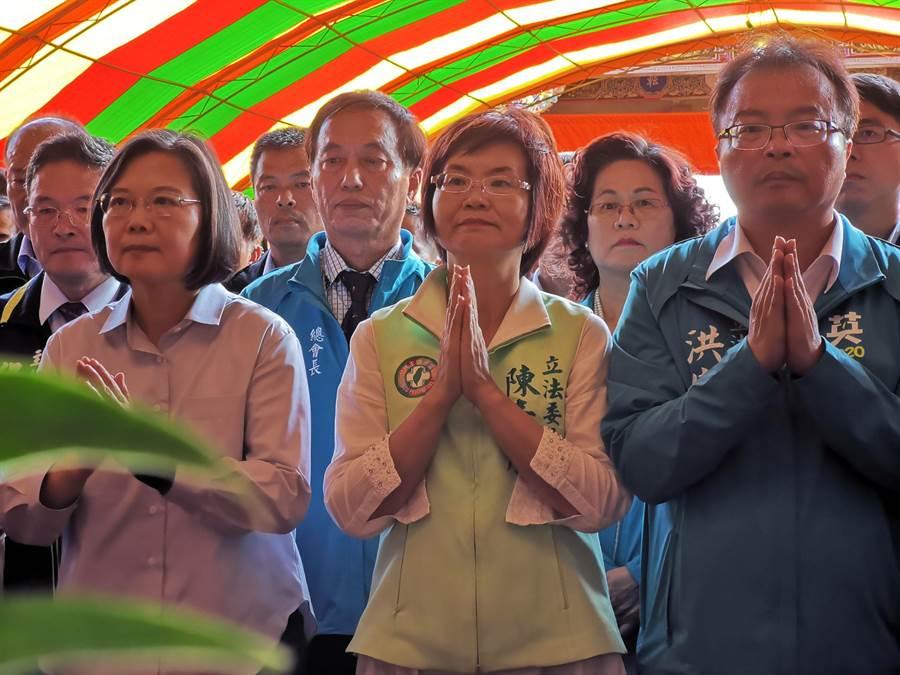 民進黨籍立委陳素月2015年首投入立委補選就勝出,今年面對退居幕後多年的國民黨籍前立委蕭景田挑戰,雙方選情緊繃、戰況最為激烈。