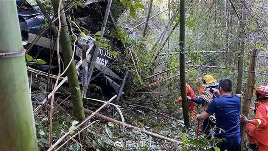 浙江金華直升機墜毀現場。(圖/新浪微博@民航事兒)