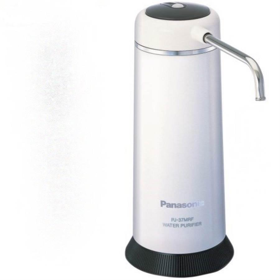 統一時代百貨台北店的Panasonic除菌型淨水器PJ-37MRF,原價5990,特價4990元。(統一時代百貨台北店提供)