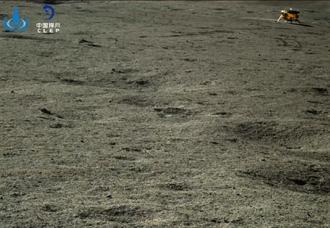 陸玉兔月球探測器 拍回這張照片
