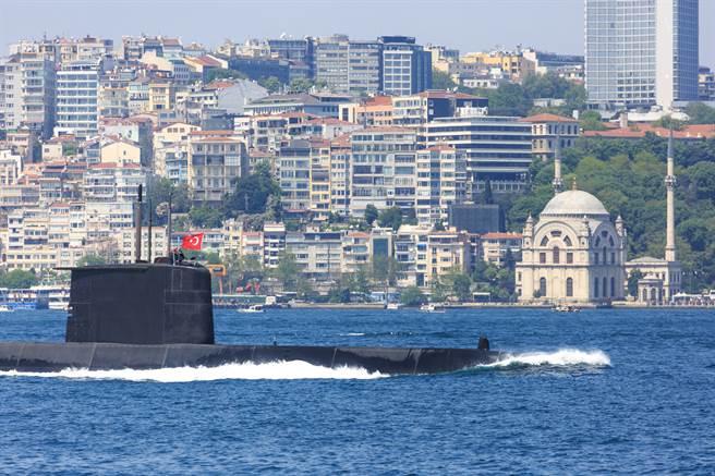 土耳其潛艦國造 2040交付首艦