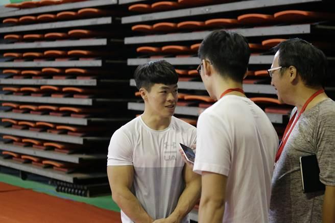 吊環好手陳智郁(左)是中華男子體操隊屬意的東京奧運成員4位成員之一。(桃園市政府提供/陳筱琳傳真)