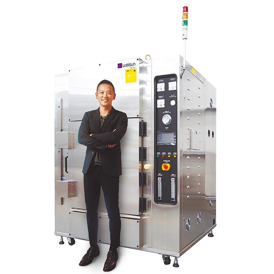 偉勝儀器總經理陳玟翰,帶領戮力研發新設備「超高溫蒸氣反應爐」打入PCB一線廠高階供應鏈。圖/偉勝提供