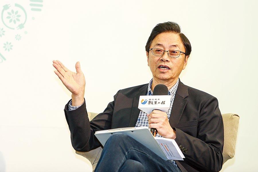 前行政院長張善政說,韓國瑜將藉由爭取陸客回流、改善基礎設施等,預計在2028年就可讓來台觀光人次達到2千萬。(鄧博仁攝)