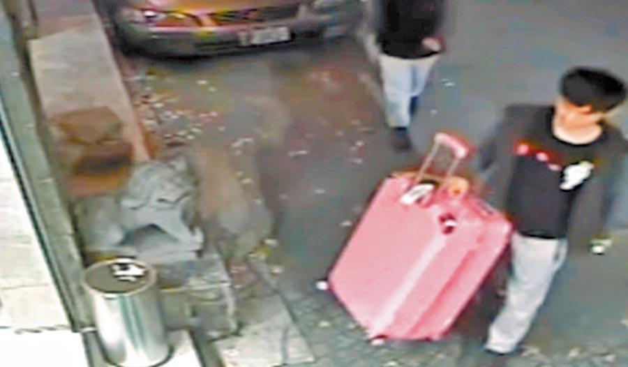 2018年3月14日,香港女子潘曉穎疑遭男友陳同佳在台殺害,用大型行李箱棄屍。(本報系資料照片)