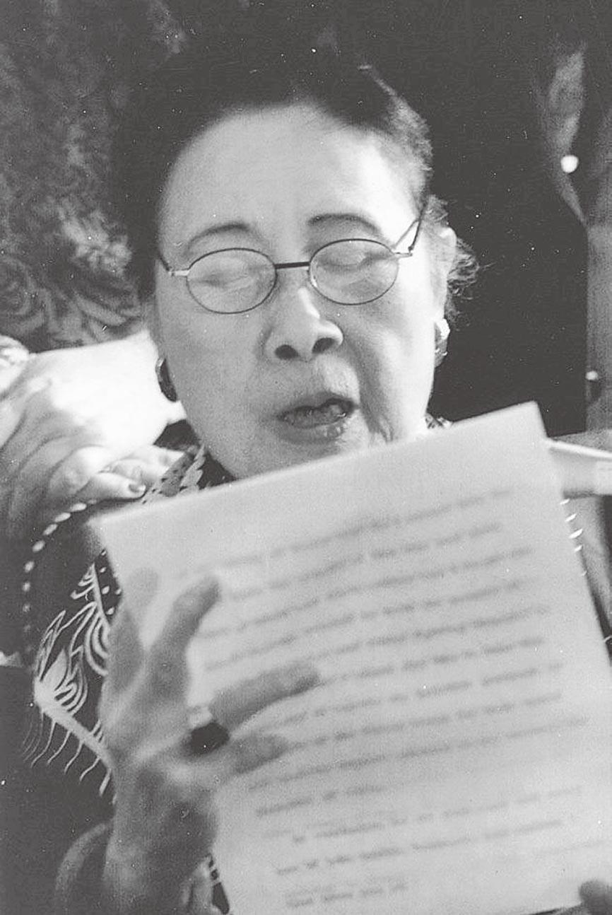 一九九五年七月廿六日,宋美龄重访国会山庄发表简短谈话,重温其五十二年前向眾院演说的盛况。九十八岁的宋美龄乐不可支。(苏宗显摄)