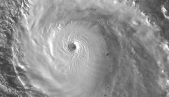 博羅依迅速轉強颱 轉彎不侵襲日本
