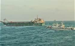 海巡署會同澎湖縣府首次聯合取締大陸抽砂船 扣留2船28名船員
