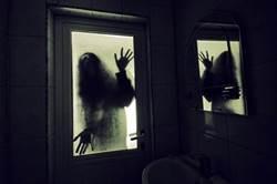 弟嬤相繼過世 她搬家驚見恐怖痕跡