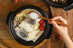 秋蟹肥美正當時 晶悅國際飯店推蒸蟹和蟹粥