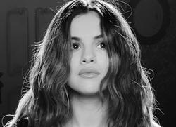 賽琳娜連釋出兩首新單曲 道別小賈舊情