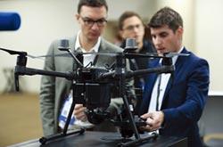 中美科技戰 美方自評5G、無人機落後