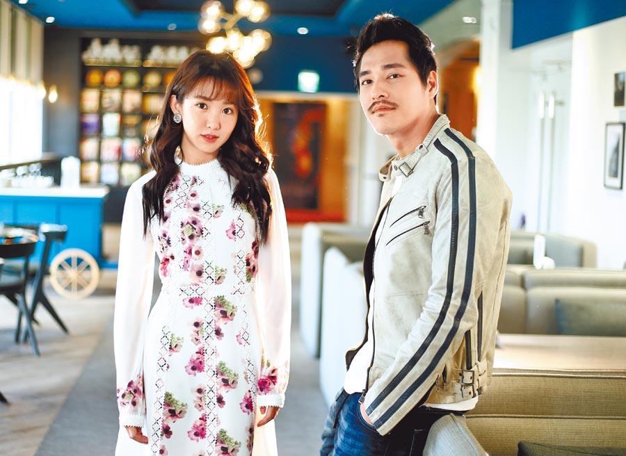 導演藍正龍(右)感謝郭書瑤願意參與電影拍攝。(粘耿豪攝)