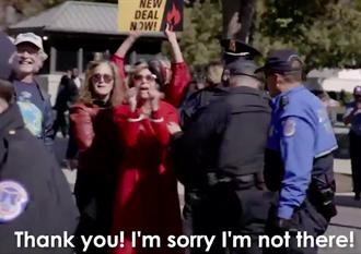 珍芳達抗議被捕無法領獎 雙手遭綁視頻當得獎感言
