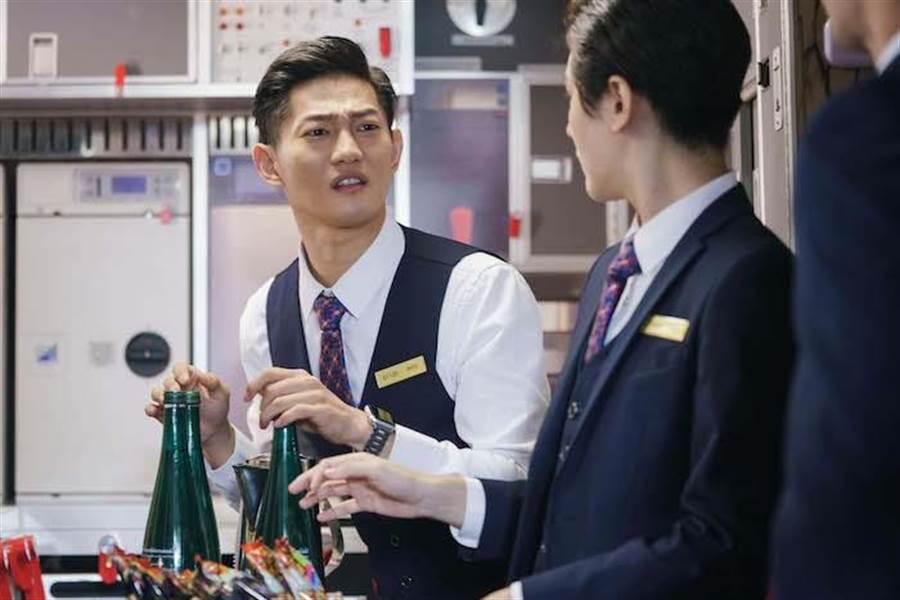 岱毅在劇中為詮釋香港、新加坡口音下足功夫。(圖/金禾創意、杰德影音提供)