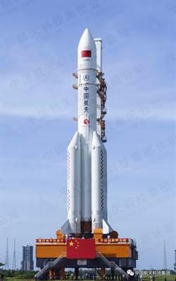 長征五號遙三運載火箭運抵海南文昌 將擇機發射