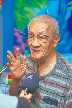 傳承布袋戲 88歲陳錫煌帶學童扮仙