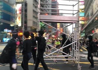 示威者堵路!防暴警施放催淚彈制伏多人