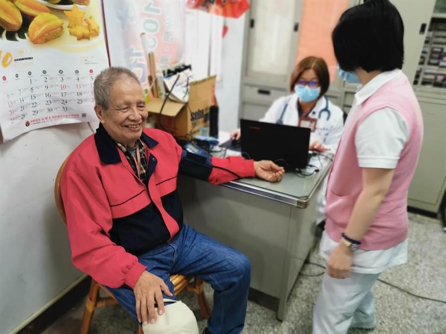 為恭紀念醫院設在南庄鄉東河村的巡迴醫療站,是當地長輩的身體及精神寄託。〔謝明俊攝〕