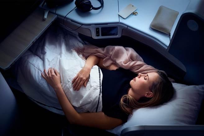 加拿大航空可全平躺的尊享商務艙,旅展特價兩人同行每人未稅7萬元起。圖:加航提供