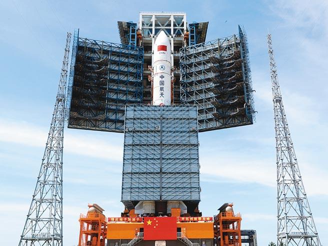 海南文昌航天發射場的長征五號遙二火箭。(新華社資料照片)