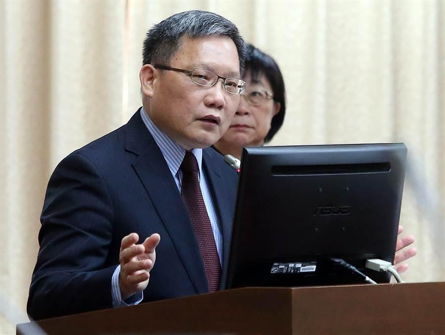 財政部長蘇建榮出席立法院財政委員會備詢。(趙雙傑攝)