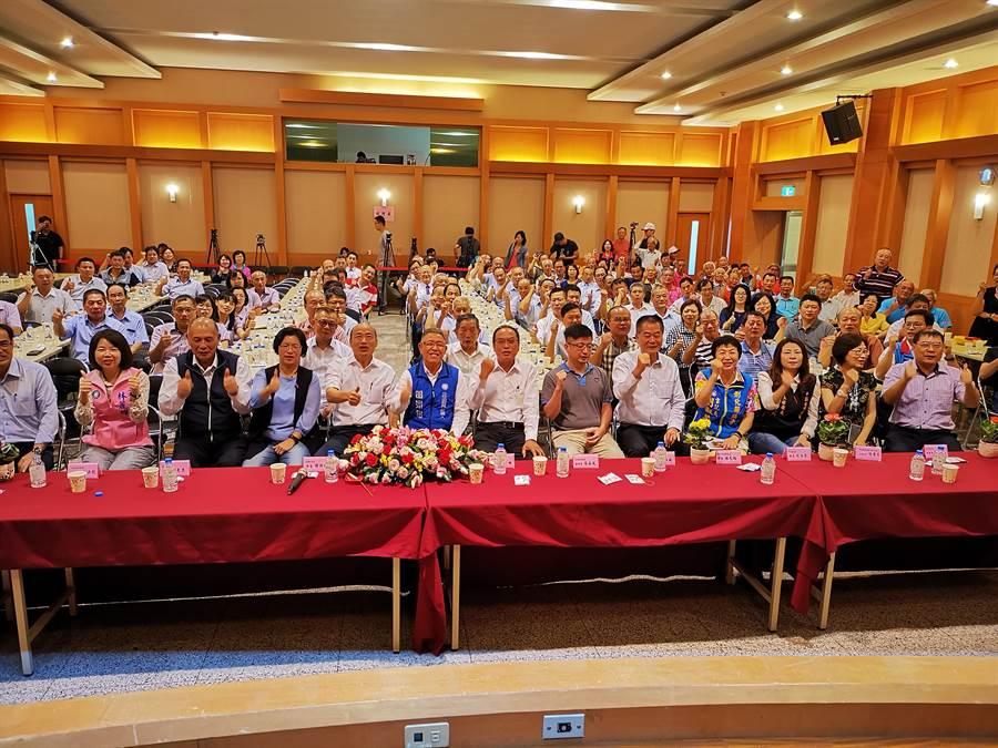 國民黨總統提名人韓國瑜到彰化的傾聽之旅,26日中午在田尾鄉農會舉辦與農漁民有約座談會。(吳建輝攝)