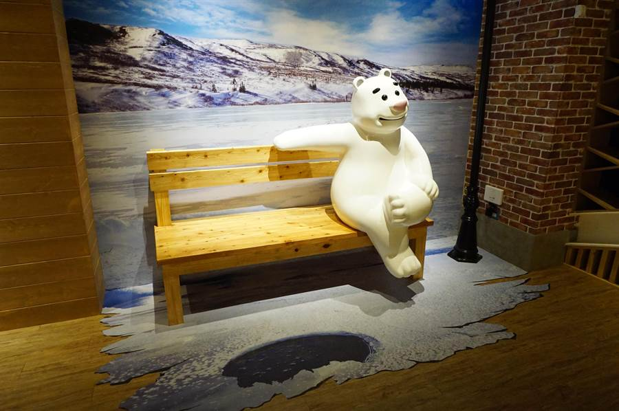 「寶熊漁樂碼頭」新展區增設許多網美必拍景點。(王文吉攝)