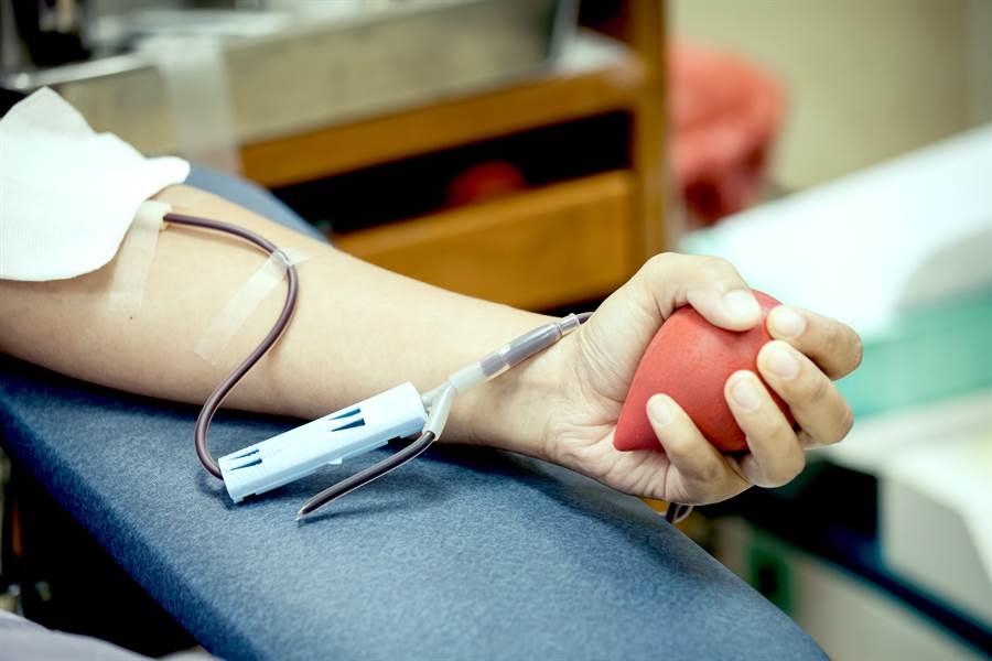 捐血500CC曬贈品 網:太划算(示意圖/達志影像)
