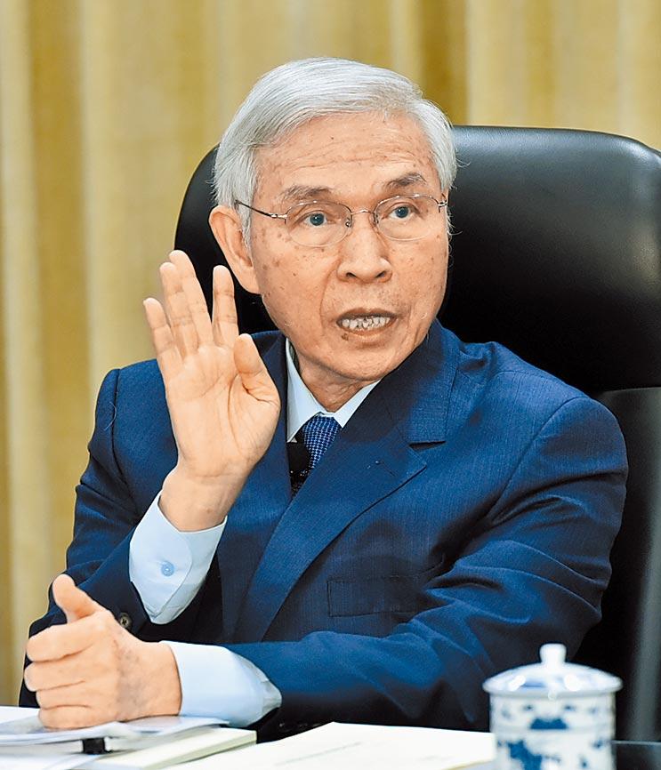 中央銀行總裁楊金龍拋出「M2目標區不再年年設」的構想,最快第4季理監事會成案。(本報資料照片)
