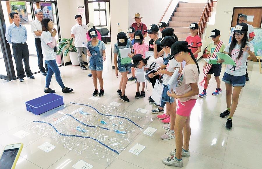 新竹縣「竹東水資源回收中心」27日通過環保署環境教育設施場所認證。(陳育賢攝)