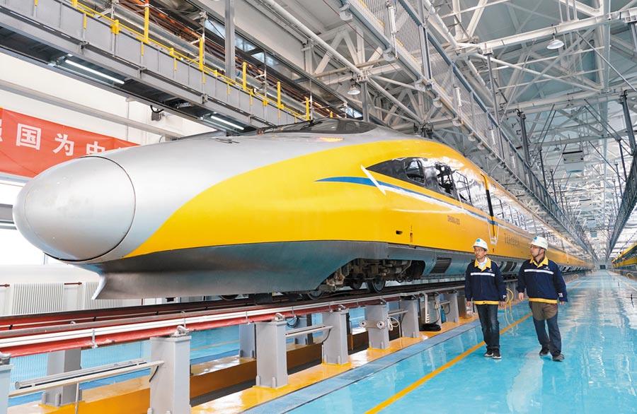 10月7日,京張高鐵北京北動車所投入使用。(新華社)