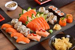 台客遊日吃壽司3舉動 日男星狂搖頭