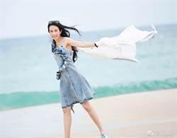 莫文蔚時隔3年登澳 興奮沿海岸線拍寫真照