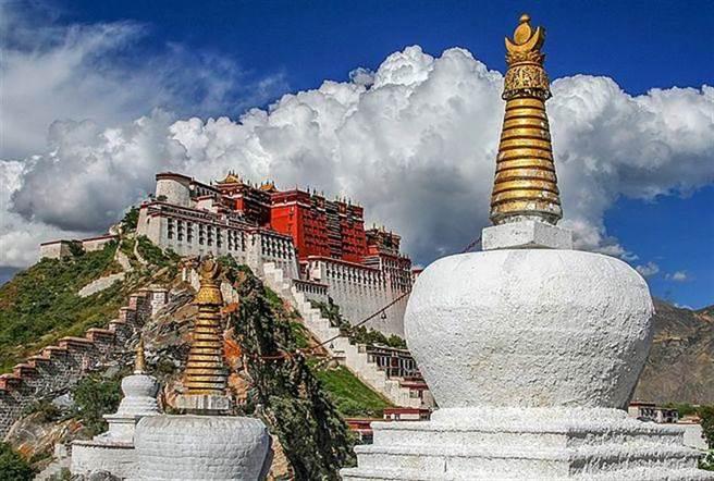 西藏是許多人心中的「香格里拉」。(達志影像/shutterstock提供)