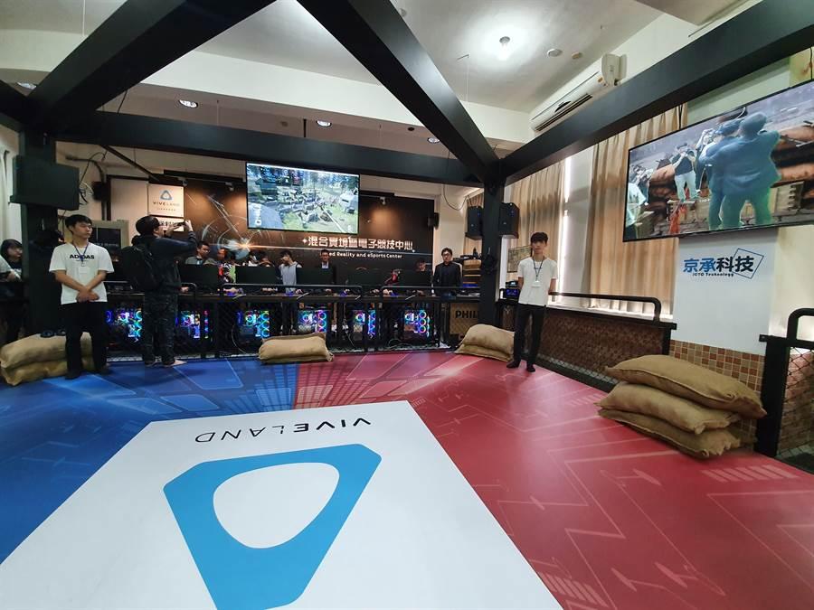 金門大學與HTC攜手合作,讓金門大學將成為全國大專院校之中,第一所擁有虛擬實境(VR)、混合實境(MR)以及電子競技(eSport)三者整合的教育體驗中心之大學。(HTC提供/黃慧雯台北傳真)